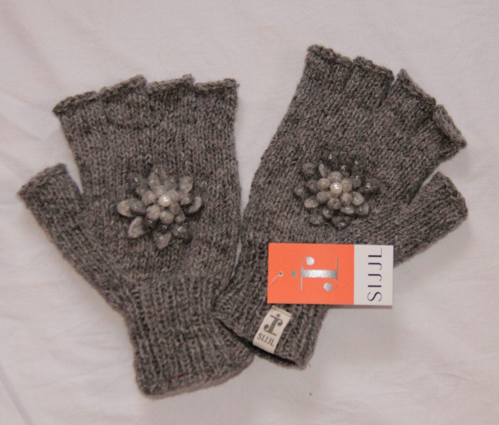half gloves, fingerless gloves